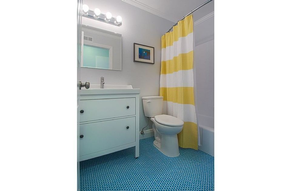 'Dory' inspired upstairs bathroom with sparkling white tub, hairdryer, S & C!