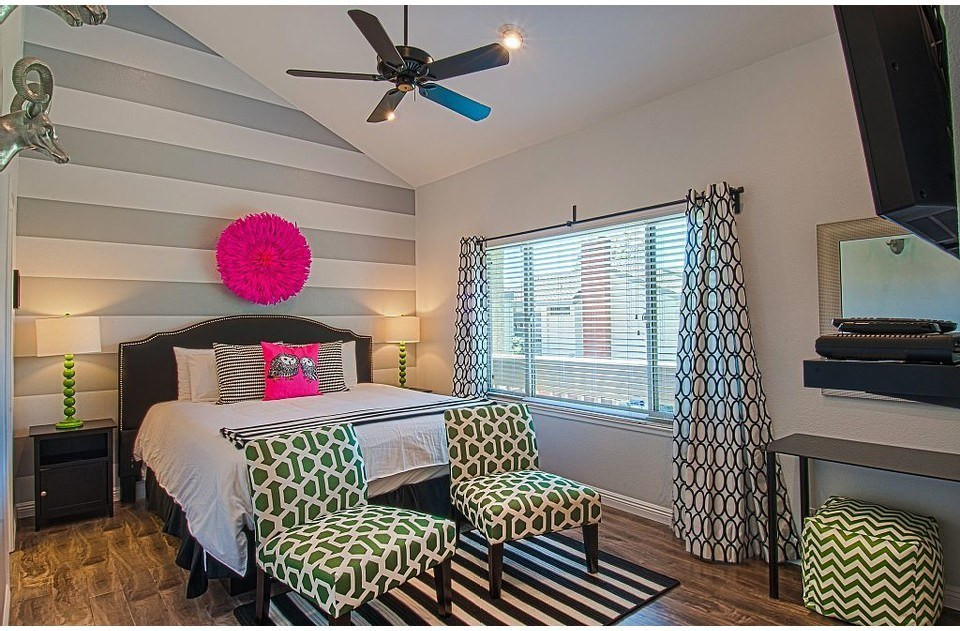 Fun and hip master with high thread count bedding, 39' tv, and comfy pillows.