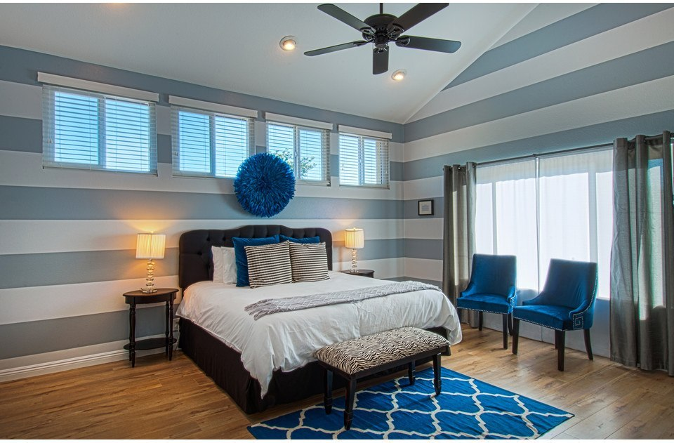 Master suite with high end king bed and luxurious linens. You will love this bed