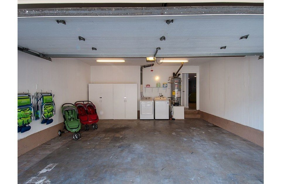 Attached 2 car garage with laundry suite, high end strollers and beach chairs!